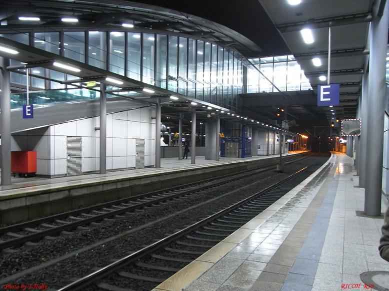 20081118037